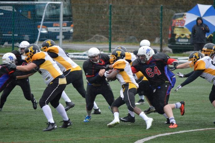 Razorback defense swarming to the ball.